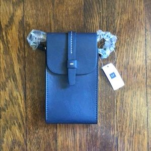 Gap phone and card leather crossbody holder